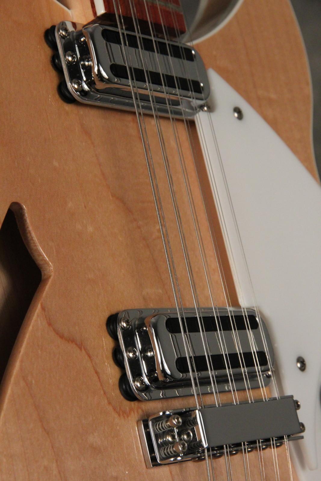 Rickenbacker360:12V64Mapleglotoasterpickups